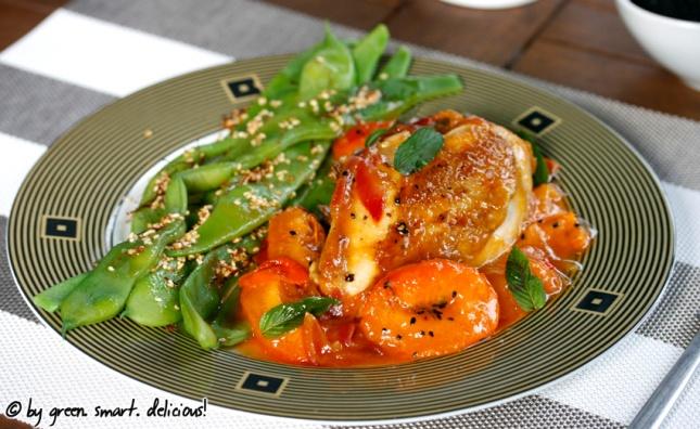 Aprikosen-Hühnchen mit breiten Bohnen in Safran-Sesam-Butter